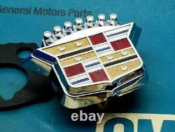 Nos 1970 Cadillac Trunk Lock Cover Emblem Flip LID Crest Deck Slider 70 Gm Trim
