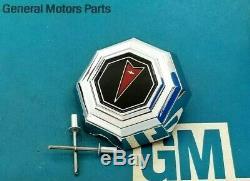 Nos 81 87 Pontiac Grand Prix Trunk Lock Cover Emblem Flip Deck LID Oem Gm Trim