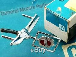 Nos 82 87 Olds Cutlass 4dr Sedan Hood Ornament Header Panel Emblem Gm 80 Trim